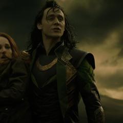 Foster es entregada a Malekith por Loki.