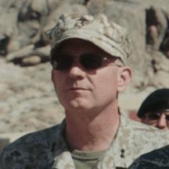 Bill Walters como Oficial de las Fuerzas Armadas de los Estados Unidos
