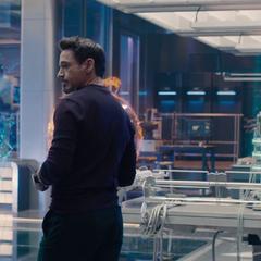 Stark convence a Banner de crear a Ultrón.