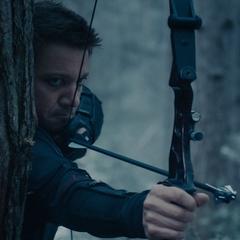 Barton apunta sus flechas a un búnker.