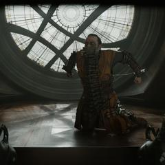 Kaecilius es apresado por Strange.