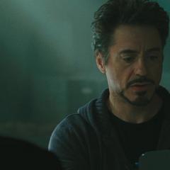 Stark se entera de que sólo su identidad de superhéroe tuvo buenas calificaciones.