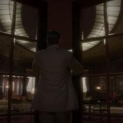 Jarvis abre el apartamento de Carter y Anginelli.