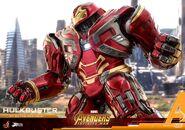 Hulkbuster Infinity War Hot Toys 2