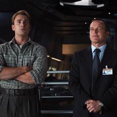 Rogers y Coulson en el Helicarrier.
