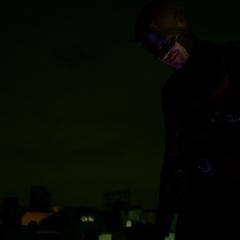 Daredevil se asegura de que los criminales sean arrestados.