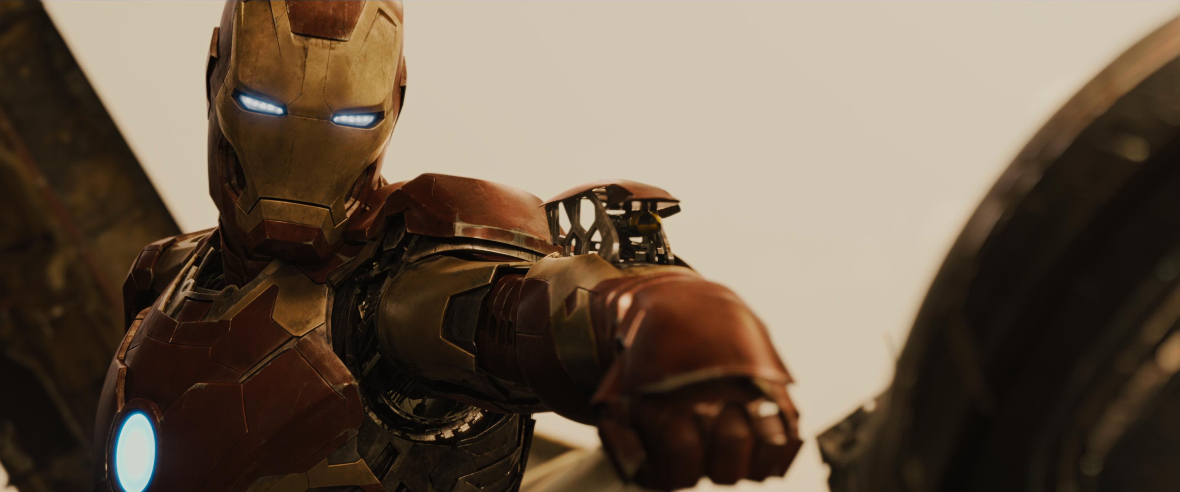 Iron Man Fighting Ultron