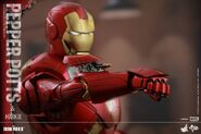 Iron Man Mark IX and Pepper Hot Toys 16