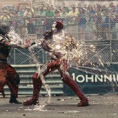 Stark a punto de darle los últimos golpes a Vanko.
