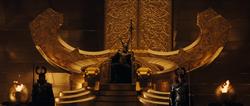 Loki en la silla del trono de Asgard