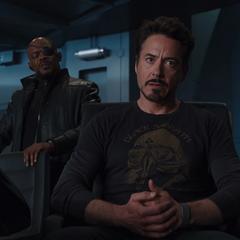 Fury motiva a Stark para detener a Loki.