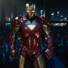 Stark en su Mark VI llega a la Stark Expo.
