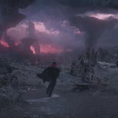 Quill escapa del templo tras cruzarse con Korath.