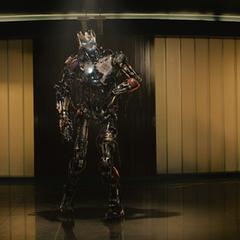 Ultrón aparece en la Torre de los Vengadores.
