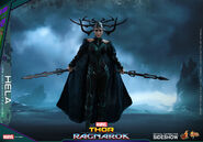 Marvel-thor-ragnarok-hela-sixth-scale-hot-toys-903107-17