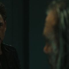 Stark visita a Vanko y se entera de la razón por la que lo atacó.