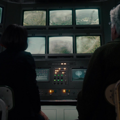 Pym y Hope ven el transcurso de la misión.