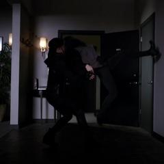 Skye y Palamas se enfrentan.
