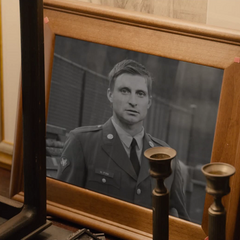Pym durante su tiempo en las Fuerzas Armadas de los Estados Unidos.