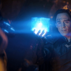 Loki revela tener el Teseracto.