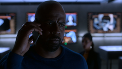R202 Geoffrey talking with Darius