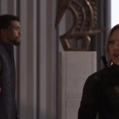 Romanoff descubre el regreso de la Orden Oscura.
