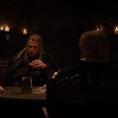Volstagg y sus amigos planean el escape de Thor.
