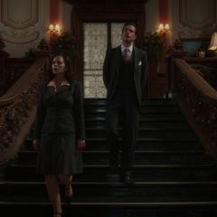 Jarvis le permite a Carter explorar la mansión.