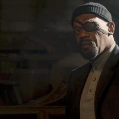 Fury se reúne con Stark en la Granja de Clinton Barton.