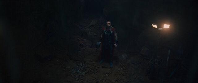 File:Thor-Sokovia.jpg