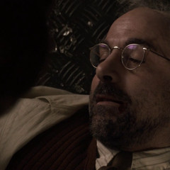 Erskine muere en silencio tras aconsejar a Rogers.