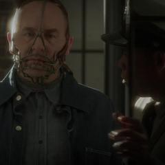 Fennhoff es enviado a prisión con un bozal.