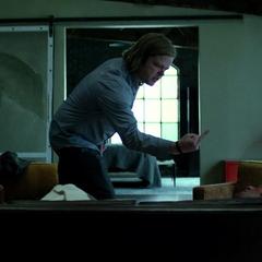 Murdock ve a Nelson molesto.