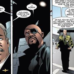 Ross discute con Fury sobre la situación de Hulk.
