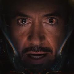 Stark intenta razonar con Hulk.