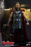 Thor AOU Hot Toys 10