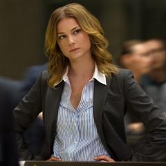 Carter se reúne con otros agentes de S.H.I.E.L.D.