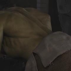 Hulk regresando como Bruce Banner después de dos años.