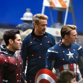 Chris-evans-on-the-set-of-the-avengers-4 14