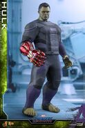 Hulk Nano Gauntlet Hot Toys 6