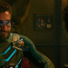 Beck se prueba las gafas de Stark.