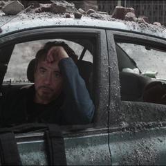 Lang y Stark tras fracasar en su misión.