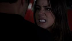 Skye (1x20)