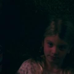 Danvers pasa el tiempo con su hermano Steven.