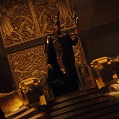 Loki es testigo de la resurreción de Thor.