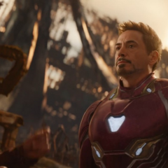 Quill y Stark discuten el plan.