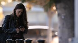 YoYo Reads a Text-4x01