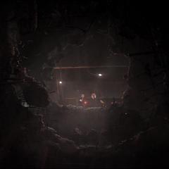 Barton y Maximoff logran escapar del lugar.