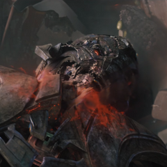 Ultrón es torturado por Wanda.