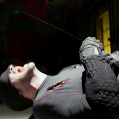 Murdock es casi asesinado por Nobu.